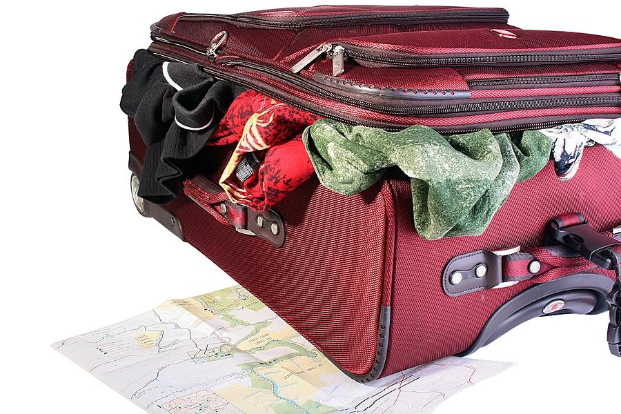 Suitcasestock_Suitcase_6230533